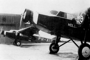 Fokker F.XVIII Pelican. In the front the Snip, which made a succesfull flight to the Dutch West Indies in 1934