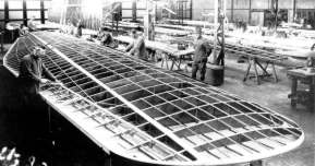 Building the wing off the F.VIIa