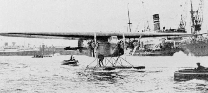 Amelia Earhart flew (as first) with this Fokker F.VIIb-3M called Friendship, a floatplane, over the ocean from America to England. Date 17/18 june 1928