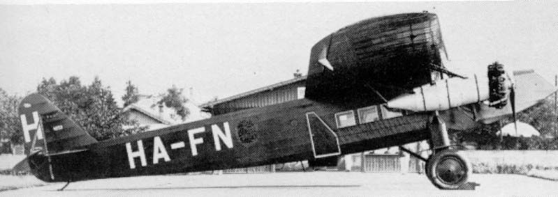 One of the in Hungary build Fokkers F.VIII (by Manfred Weiss) was rebuild as a bomber with three machinegunposts