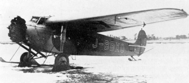 Fokker Super Universal in service for the Japan Air Transport Co. This company imported 10 Super Universals in 1929. Later, these aircrafts were build in licence by the Japanese Nakajima aircraftfactory. The first aircrafts were delivered in 1931 and till 1936 a total of 47 planes were build
