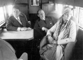 Anthony Fokker and his wife Violet in the cabin of a Fokker F.10a of the Richfield Oil Company of California. CEO Talbot (left) used this F.10a as a businessplane which was becoming popular in the twenties
