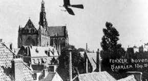 Anthony circles around the Saint Bavo Church in Haarlem , 13 september 1911