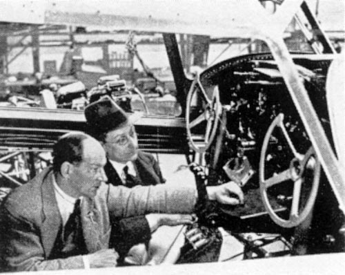 Anthony Fokker and ir. Beeling in the cockpit of a Fokker F.XX